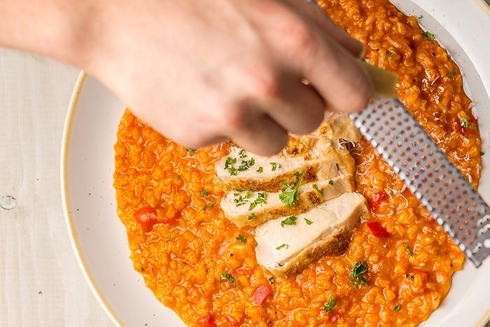 Paprikás risotto ropogós csirkemell filével